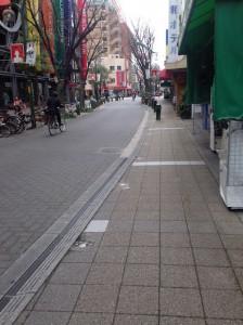 神戸アートビレッジセンターと商店街