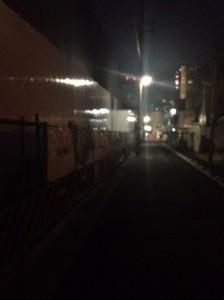 ヴィークコート神戸山本通西側_平日19時ごろの様子