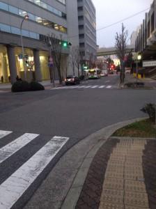ワコーレ神戸三宮トラッドタワー道路から東向に撮影