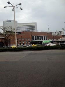 神戸駅から徒歩5分という立地