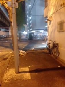 自転車やゴミなどもあります