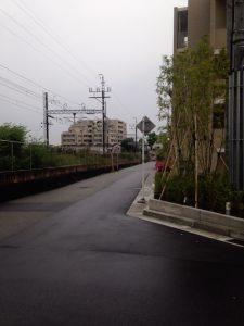 プラネスーペリア西宮仁川と線路