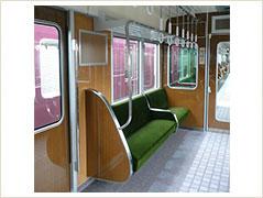 阪急電車車内(引用:公式HP)