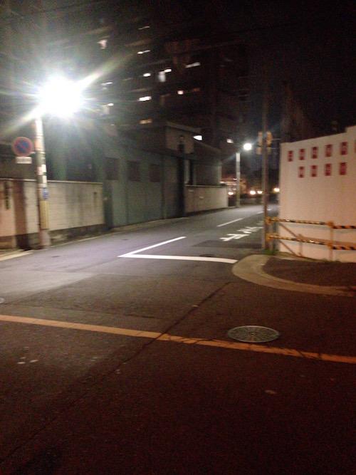 平日夜の「ブランズシティ上新庄」周辺