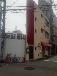 マンションに隣接するkurumi食堂