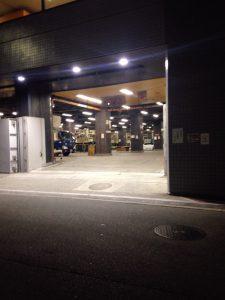 読売新聞大阪本社東館前の様子