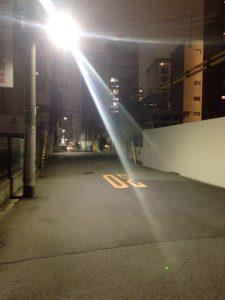 街灯も多く、女性の一人歩きでも不安は少ない