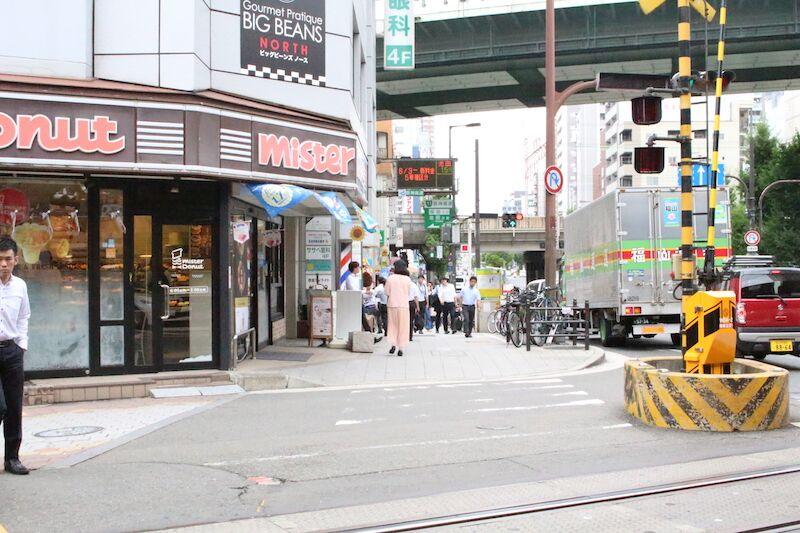 ローレルタワー梅田ウエスト行き道